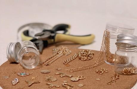 ערכת DIY ליצירת תכשיטים